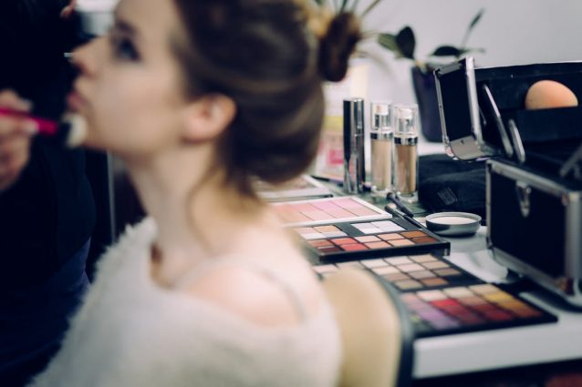 7 Mistakes You're Making With Foundation That Ruin Your Looks
