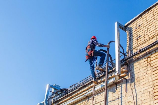 Choosing Right Roof Access Ladders And Other Ladders For The Job